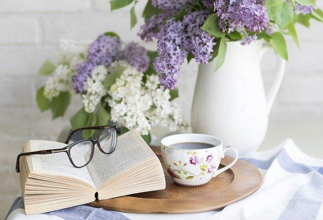 Gør læsningen nemmere med et forstørrelsesglas